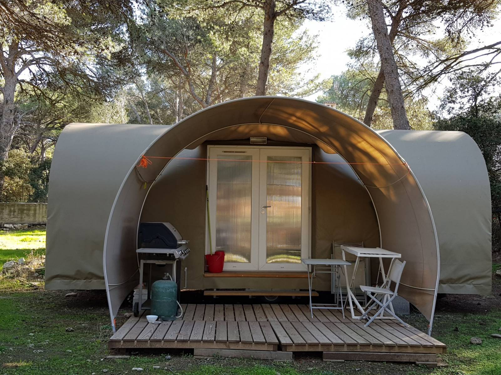 Camping 3 toiles avec piscine en provence camping la pin de - Camping dans le vercors avec piscine ...